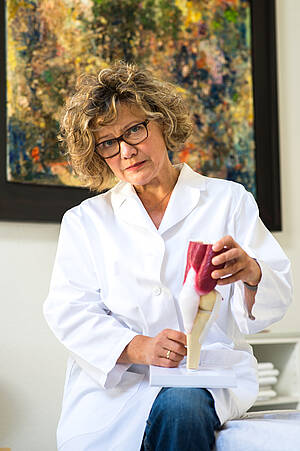 Frau Dr. med. Agnes Tolveth